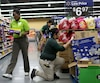 US-WAL-MART-ANNOUNCES-ITS-INCREASING-WAGES