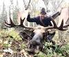 L'expert de chasse à l'orignal Jason Tremblay Morneau a développé des techniques particulières qui lui permettent d'approcher de gros dominants dans leur environnement.