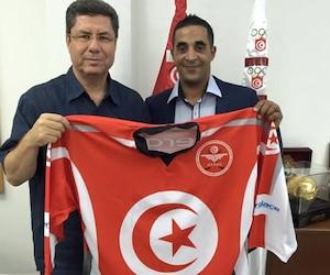 <b>Ihab Ayed</b> (à droite), en compagnie de Mehrez Boussayene, du Comité national olympique tunisien.