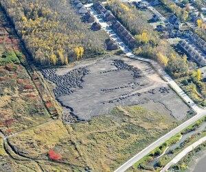 Le ministère de l'Environnement a trouvé de la terre contaminée au cuivre sur le vaste terrain des promoteurs Samuel Hornstein et Rhéal Dallaire, situé dans le quartier Rivière-des-Prairies, à Montréal.