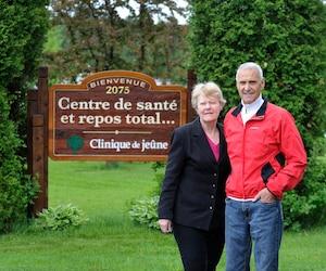 Marcel Boivin et sa femme, Laurette Pelletier, attendent toujours de l'aide du gouvernement.