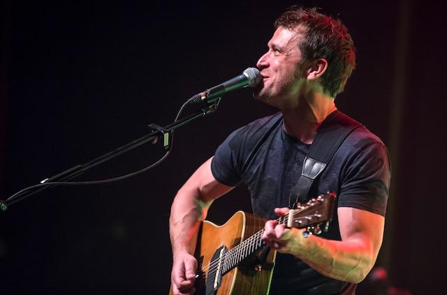 Kevin Parent a interprété les chansons de son plus récent opus, <i>Face à l'ouest</i>, sorti l'été dernier.