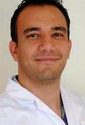 Arian Azarbar, Chef d'entreprise