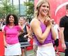 Eugenie Bouchard était souriante lors du match amical qu'elle a disputé hier au centre-ville de Montréal.