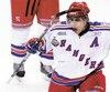 Le Canadien Jusin Azevedo alors qu'il portait les couleurs des Rangers de Kitchener dans la Ligue de hockey de l'Ontario, lors de la Coupe Memorial de 2008.