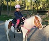 Miley Gauthier, 4 ans, avait été initiée à l'équitation dès l'âge de 2 ans par sa mère. Elle est décédée lorsque que son père a reculé sur elle par accident avec une camionnette.