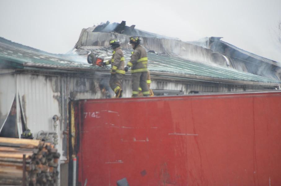 Une usine de meubles ras e par un incendie au centre du for Le pere du meuble laval