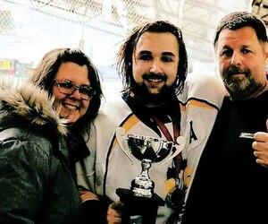Christophe Thivierge, décédé dans un accident d'auto à Ascot Corner, photographié en compagnie de son père Donald et de sa belle-mère Chantal Turcotte.