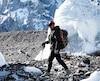 Serge Dessureault a été photographié sur le glacier Baltoro durant la marche d'approche, quelques jours avant une chute mortelle.