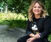 Nancy Couture, fondatrice de Pot de bonheur, près de ses bureaux à Mont-Saint-Hilaire.