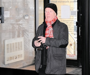 L'ex-directeur du génie de Longueuil Christian Fallu, photographié hier à son arrivée pour sa comparution devant le Conseil de discipline de l'Ordre des ingénieurs du Québec, à Montréal.