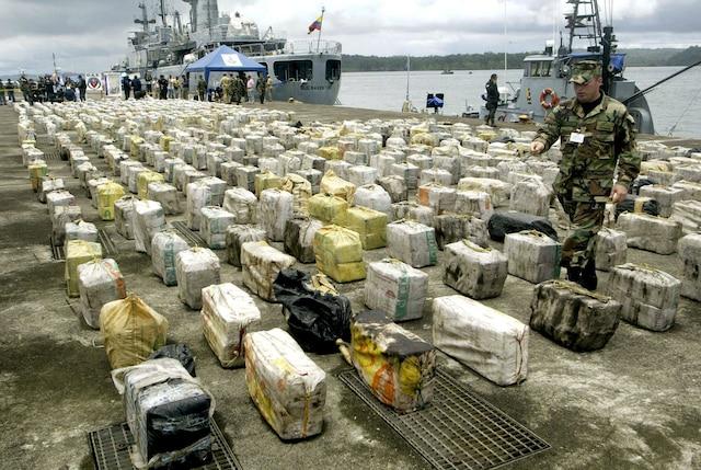 En 2007, une vaste opération ciblant le clan Escobar avait permis la saisie de 13,2 tonnes de cocaïne à Pizzaro, en Colombie.