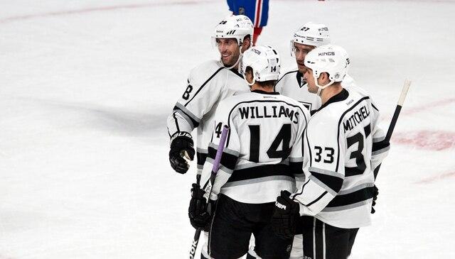 Célébration sur le but de Justin Williams en deuxième période lors du match opposant les Kings de Los Angeles et le Canadien de Montréal au centre Bell.