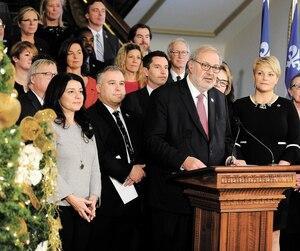 Le chef intérimaire du Parti libéral du Québec, Pierre Arcand, avait tracé un bilan de fin de session parlementaire en compagnie des députés libéraux, le 7 décembre, au Parlement de Québec.