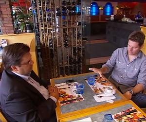 Lors d'une entrevue à l'émission Les Francs-tireurs diffusée en 2010, Denis Coderre assurait qu'il payait de sa poche ses frais d'avocats dans le dossier Shane Doan.