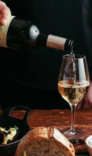 Image principale de l'article 5 restaurants où boire du vin nature à Québec