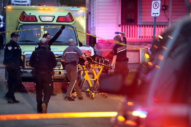 Un drame c'est produit au 15 rue Foisy à Lévis jeudi le 3 Mai 2012 près de Québec. Un enfant serait mort par arme à feu.SIMON CLARK/JOURNAL DE QUEBEC/AGENCE QMI