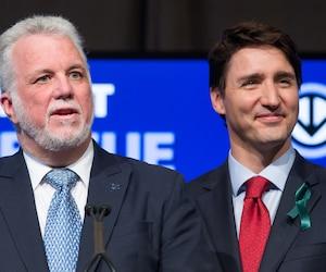Le premier ministre du Québec, Philippe Couillard, fait front commun avec le gouvernement de Justin Trudeau après les attaques du président américain Donald Trump en marge du Sommet du G7.