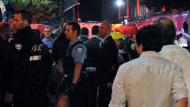 Un incident a mis fin abruptement au discours de la victoire de Pauline Marois au Métropolis sur la rue Ste-Catherine à Montréal, ce mardi soir 4 septembre 2012. MICHEL DESBIENS/AGENCEQMI