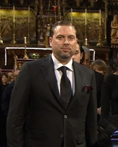 Jean-Pierre Angélil a porté le cercueil de son père.