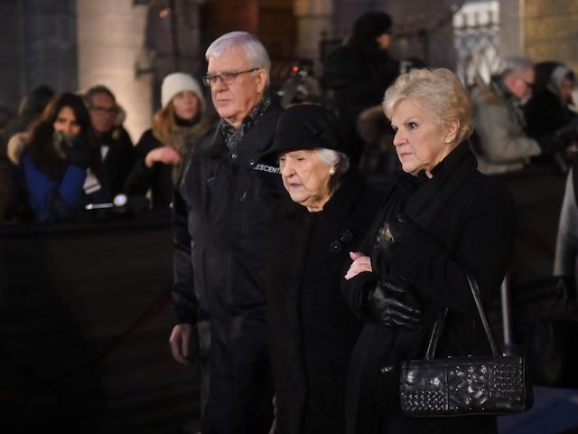 Thérèse Dion et les siens à la sortie des funérailles de René Angelil, célébrées ce vendredi après-midi 22 janvier 2016, à la Basilique Notre-Dame, à Montréal.