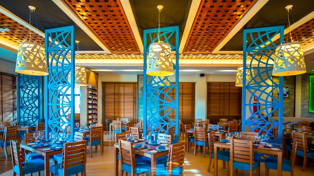 Au Warwick, les restaurants sont  une expérience design en soi!
