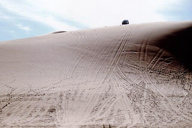 Mes guides rêvaient d'utiliser ces dunes à des fins sportives, pour y faire de la luge de sable, du ski ou, tout bonnement, de la course.