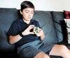 Lors du passage du Journal, Manolo Poirier-Nantel a passé plus de vingt minutes à jouer avec son cube Rubik.