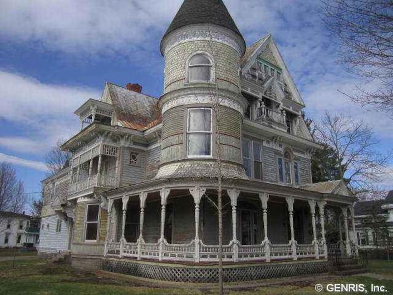cette maison habit e par des fant mes est vendre jdm