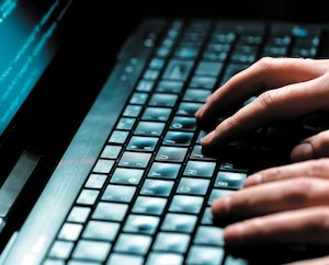 Le Canada est en train de perdre le combat de la cybersécurité, en partie parce que les entreprises ne sont pas forcées de dévoiler lorsque les données de leurs clients sont volées par des pirates, dénoncent des experts.