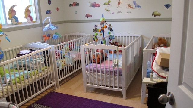 «Elle m'avait laissé choisir les noms», dit Paul Servat, entre deux sanglots, entouré de tous ses achats et des dons pour ses cinq bébés fictifs.
