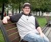 Alexey Dupont-Bouchard, âgé de 22 ans, prend de la testostérone depuis maintenant cinq mois en vue de subir des chirurgies de changement de sexe pour devenir un homme et se sentir enfin lui-même dans son corps.