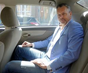 L'ex-dragon François Lambert croit qu'il y a de la place autant pour Uber que pour les taxis traditionnels à Montréal, contrairement à son ex-collègue Alexandre Taillefer.
