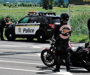 Les 500 motards du pays qui sont allés au Canada Run en Montérégie, au mois d'août, ont été «accueillis» un à un par les policiers.