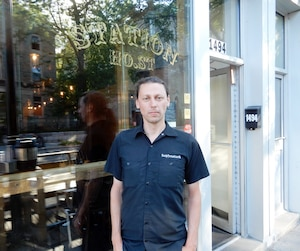 Frédéric Cormier, propriétaire du bar Station Ho.st, avait offert de la bière en échange de billets pour l'ePrix inutilisés en juillet.