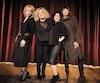 Martine St-Clair, Marie Michèle Desrosiers, Marie-Élaine Thibert et Luce Dufault répondent à leurs <i>fans</i> en offrant un album tiré de la tournée <i>Entre vous et nous</i>.