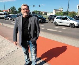 Malgré un retour au travail récent après une convalescence de deux mois, le maire de Québec, Régis Labeaume, a tenu à se déplacer à Cracovie, en Pologne, pour «protéger le siège social de l'Organisation des villes du patrimoine mondial», qui est situé à Québec.