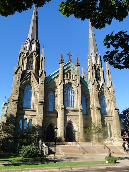 La basilique de Saint-Dunstan