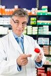 Si vous devez acheter des médicaments dans un autre pays, soyez très vigilants et validez avec votre pharmacien au Canada la DCI des médicaments que vous prenez.