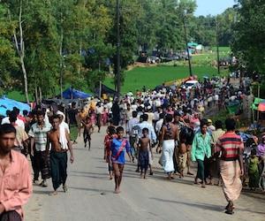 Des réfugiés de la minorité rohingyas fuyant la Birmanie