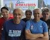 René, Bernard, Jasmin, Benoît, Alain et Roland Rancourt (absent sur la photo) partageront le bitume du marathon des Deux Rives, ce matin.