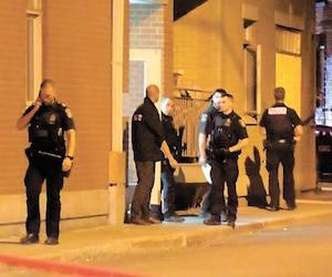 Les policiers ont dû intervenir vendredi soir dernier sur la rue Arago après qu'une femme eut été transformée en «torche humaine».
