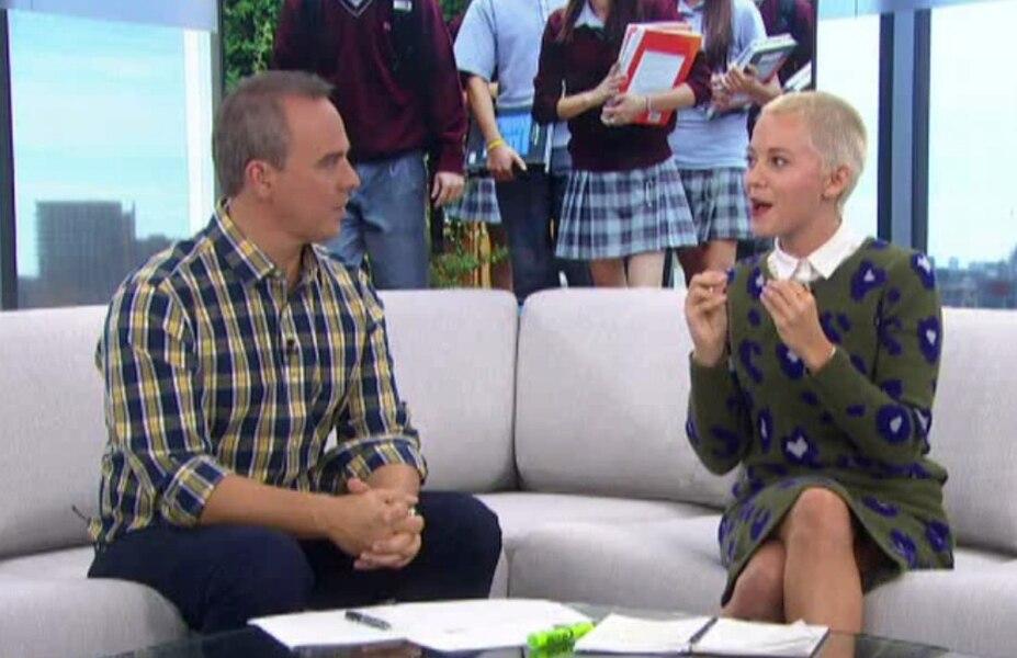 Vanessa Pilon est critiquée pour le choix de sa tenue à «Salut ...