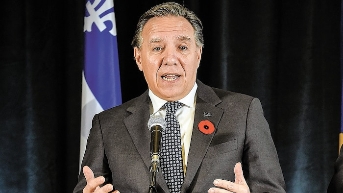 Maintenant au pouvoir, François Legault a vite abdiqué sur la question du remboursement des sommes perçues en trop par Hydro-Québec.