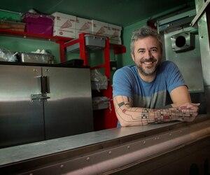 «La restauration, estime le réputé chef Martin Juneau, il faut la voir de façon globale. Il va toujours y avoir des ouvertures et des fermetures, et si un restaurant ouvre à côté du tien, ça peut autant te faire mal que t'aider car il va attirer une autre clientèle.»