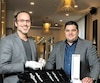 Montréal accueillera un premier salon consacré aux montres de luxe indépendantesles 27 et 28 septembre au Club Saint-James. L'événement est organisé par l'homme d'affaires Simion Matei (à droite), en collaboration avec l'horloger Alexandre Beauregard.