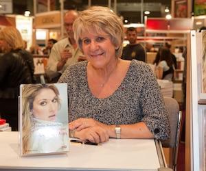 Denise Bombardier a suivi Céline Dion en tournée pendant près d'un an pour écrire le livre «L'énigmatique Céline Dion».