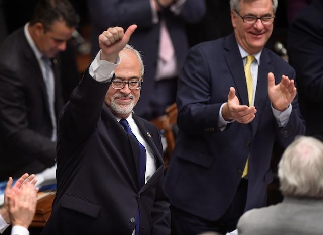 Dépôt du budget 2015-2016 par le ministre des Finances, Carlos Leitao.