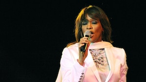 Whitney Houston pourrait revivre en hologramme