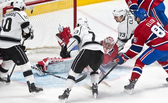 Le but de Tyler Toffoli chasse (31) Carey Price du match en deuxième période lors du match opposant les Kings de Los Angeles et le Canadien de Montréal au centre Bell.